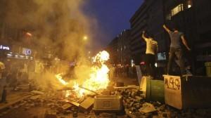 Demonstrasjonane held fram i Istanbul, 18. juni 2013